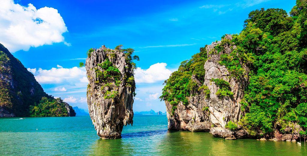 También podrás incluir una excursión a Phang Nga, escenario en el que se rodó una de las películas de James Bond