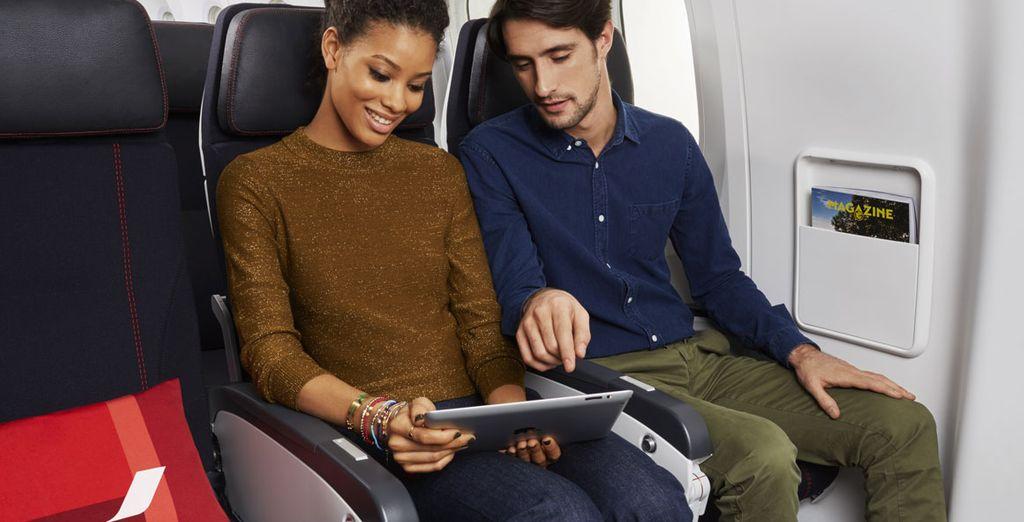Con Air France, los prácticos asientos de la Clase Turista están dotados de reposabrazos abatibles, reposapiés y reposacabezas ajustables
