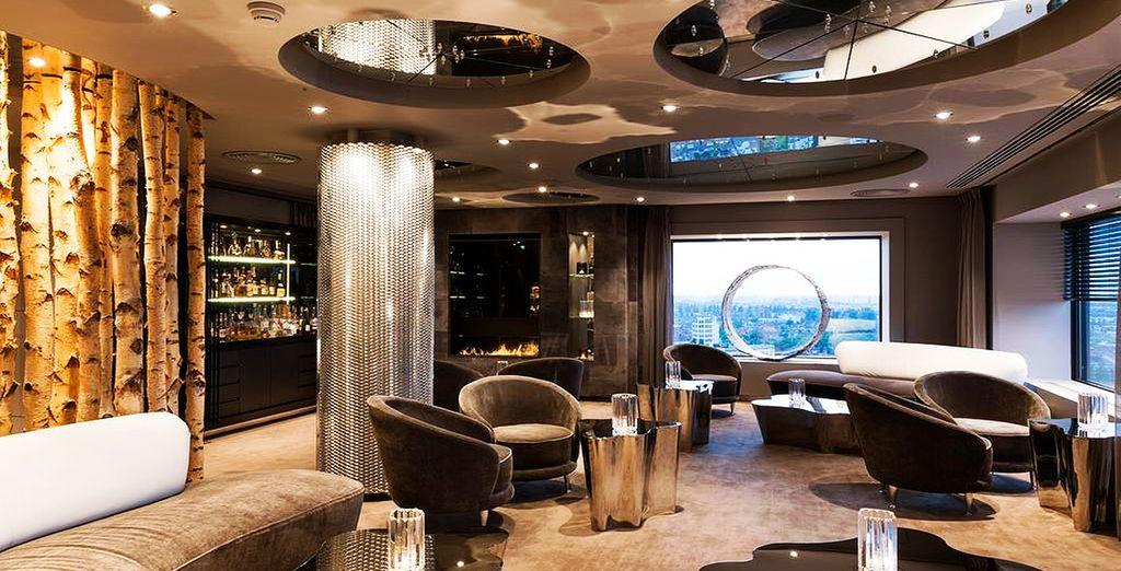 Ciel Bleu, galardonado con 2 estrellas Michelin, ofrece magníficas vistas