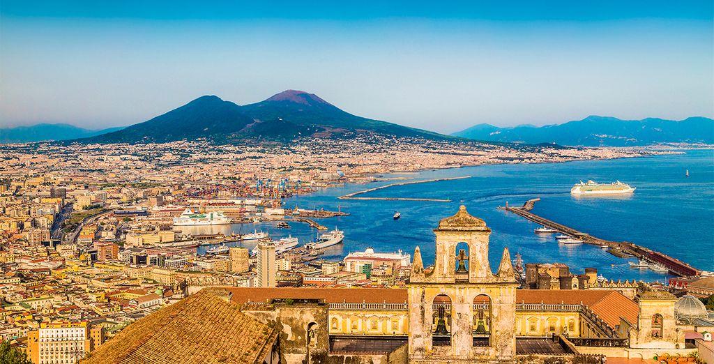 Deléitese con las maravillosas panorámicas del golfo de Nápoles