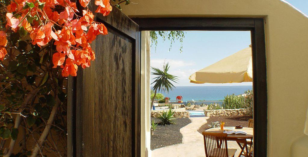Entra a mundo de disfrute y color en el VIK Suite Hotel Boutique Risco del Gato 4*
