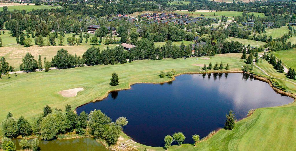 ...uno de los más hermosos y exclusivos campos de golf de Cataluña