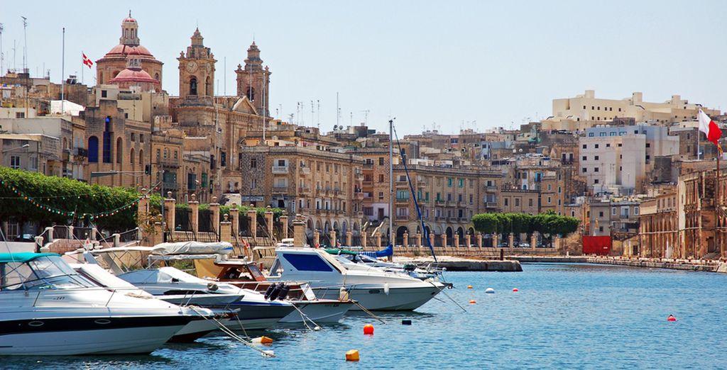 Photographie du port de Malte et de ses monuments historiques