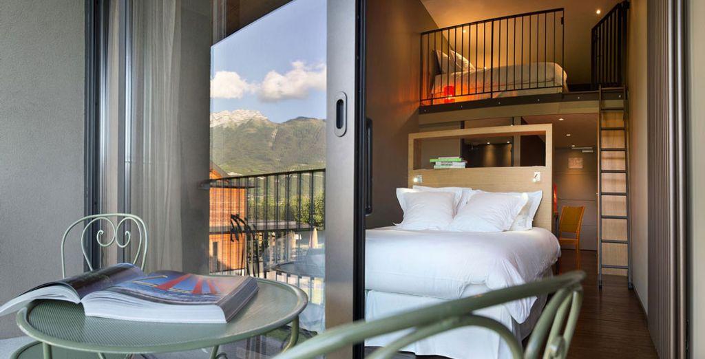 Annecy Hotel de charme avec lits doubles donnant vue sur les Alpes, pour des vacances en famille inoubliables