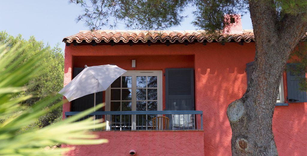 Vous séjournerez dans un pavillon moderne de style provençal