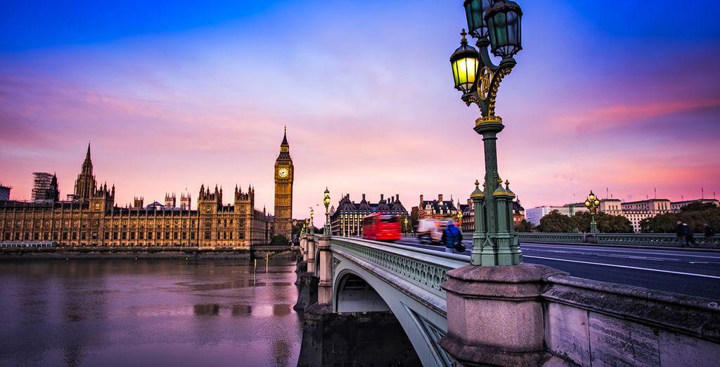 Photographie de la ville de Londres, la capitale de l'Angleterre et du pont face à la Tour d'horloge Big Ben