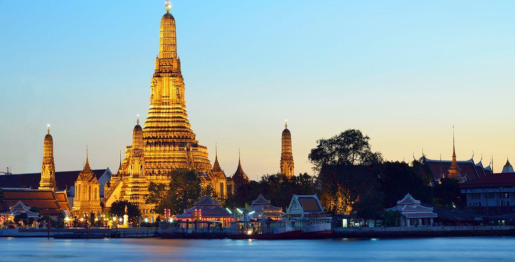 En passant par Bangkok, sa vie frénétique et ses sublimes richesses