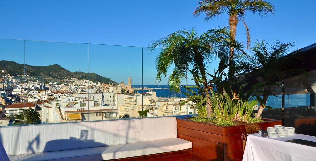 Qui vous offre une vue imprenable sur la ville depuis son toit-terrasse