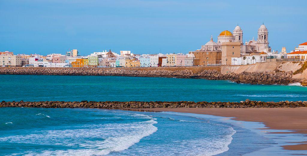 La beauté pittoresque de Cadix retiendra votre attention