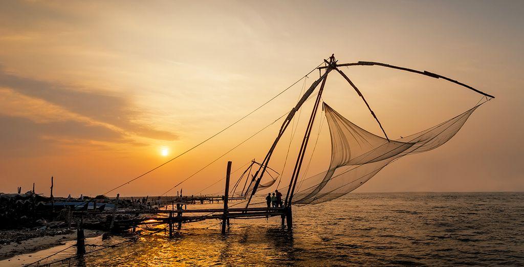 Vous tomberez sous le charme de Fort-Cochin et de ses célèbres carrelets chinois