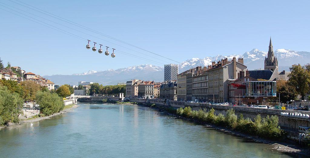 Avant de vous offrir une virée dans le centre de Grenoble, sur le site de la Bastille...