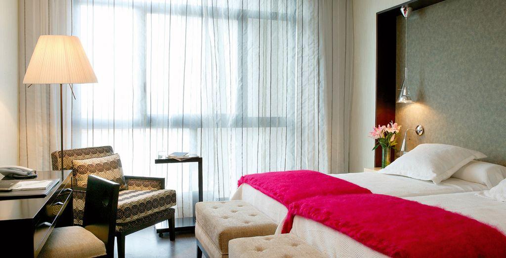 Hôtel haut de gamme en Espagne avec chambre double et lit tout confort au cœur de la ville de Séville