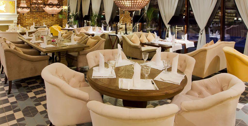 Les nombreux restaurants de l'hôtel vous feront découvrir la cuisine locale
