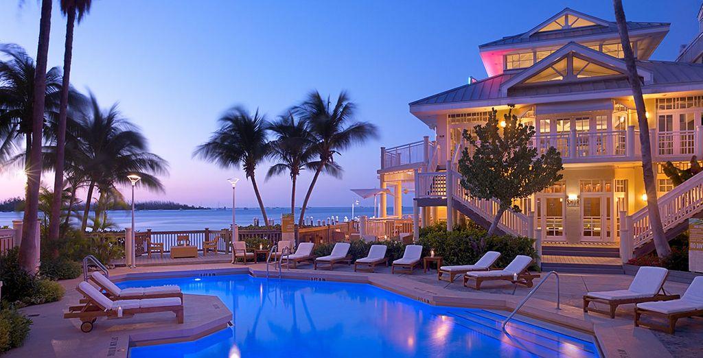 en rejoignant le Hawks Cay Resort 4*