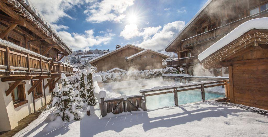 Cet hôtel peu commun dispose de cinq chalets situés autour de la piscine extérieure
