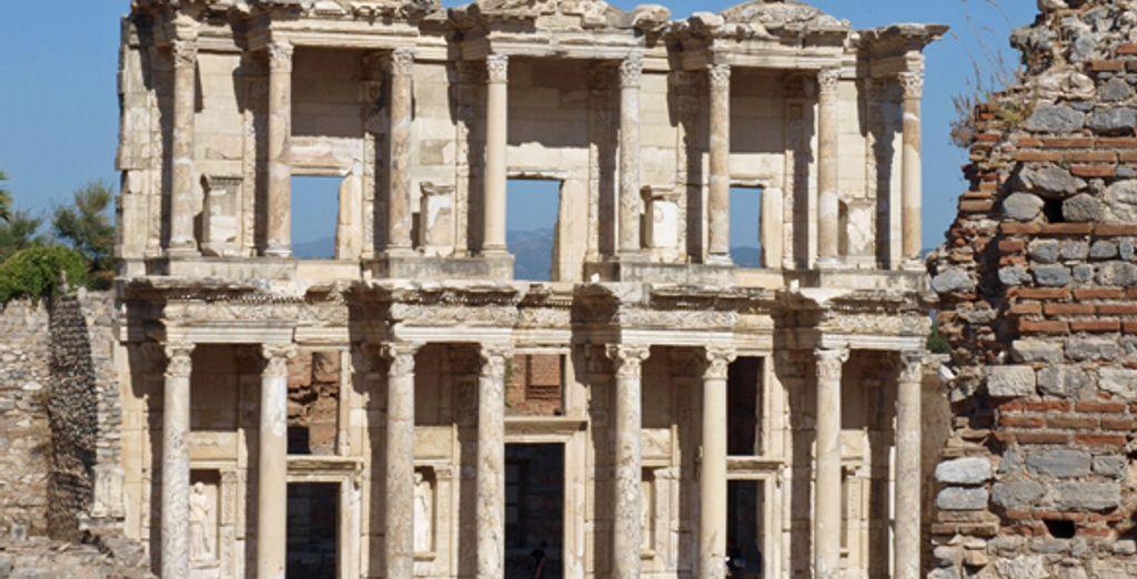 Explorez les richesses archéologiques d'Ephèse