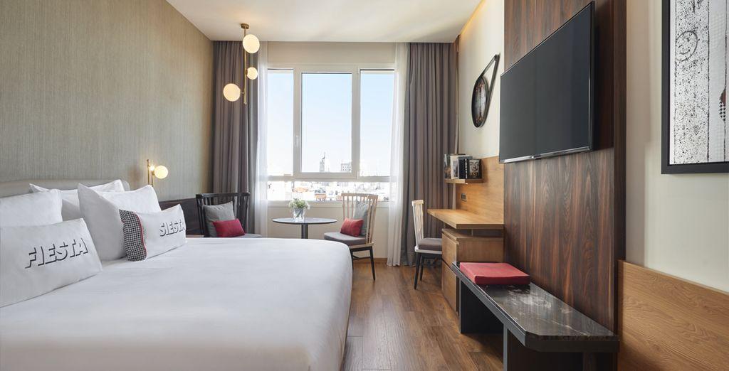Hôtel de luxe avec chambre double tout confort et vue sur la ville de Madrid