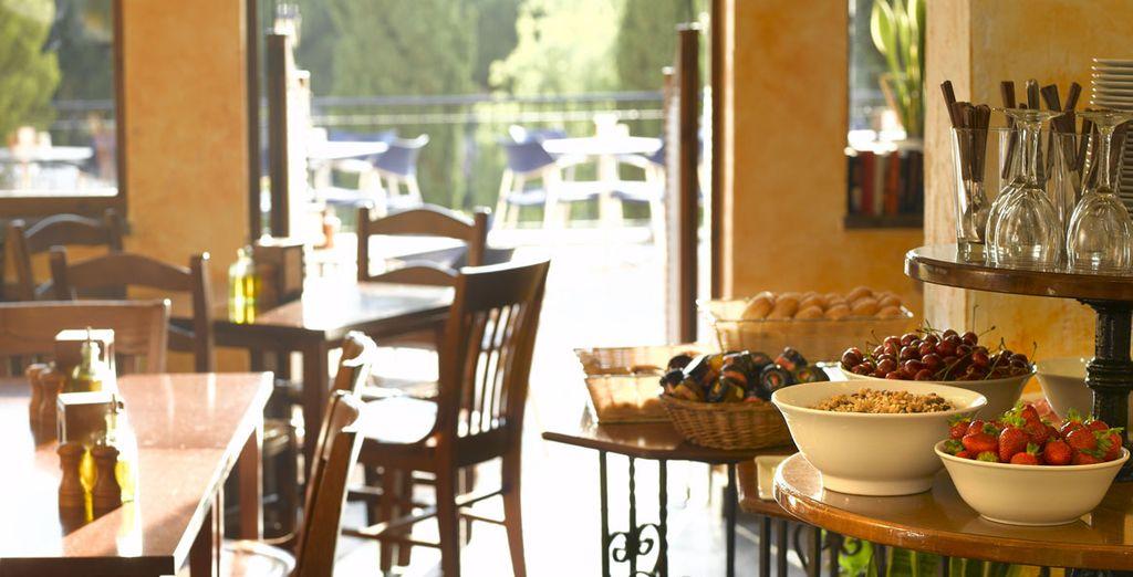 Le Deli-Cafe vous accueille pour un petit-déjeuner continental
