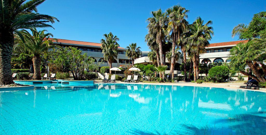 Location de vacances en Sicile au cœur d'un hôtel de luxe avec piscine et espace détente