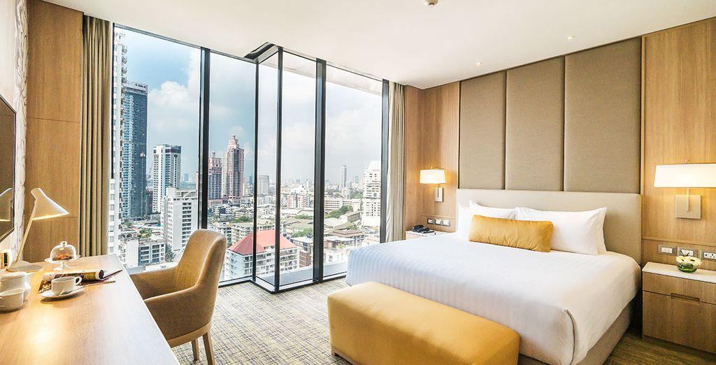 Hôtel haut de gamme à Bangkok, chambre double tout confort avec vue panoramique sur la capitale de la Thailande