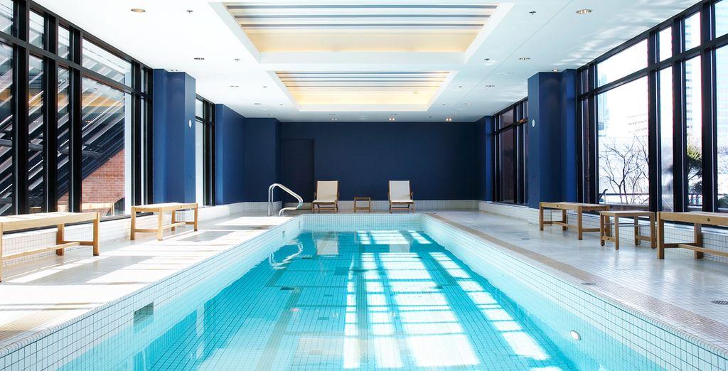 Détendez-vous à la piscine intérieure d'eau salée...