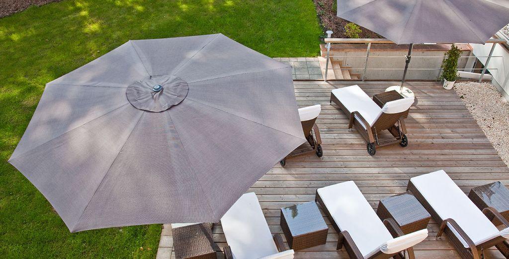 Ou vers la terrasse de l'établissement, et admirez les paysages bavarois