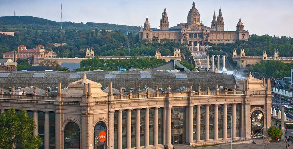 Avant de partir à la rencontre de Barcelone, comme par exemple la Plaça d'Espanya