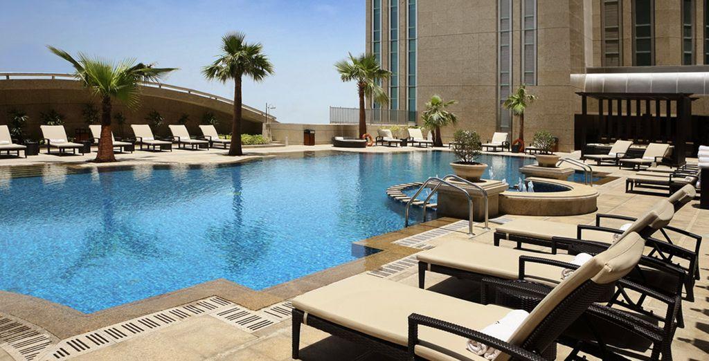 Installez-vous confortablement dans le luxueux Sofitel Abu Dhabi Corniche 5*