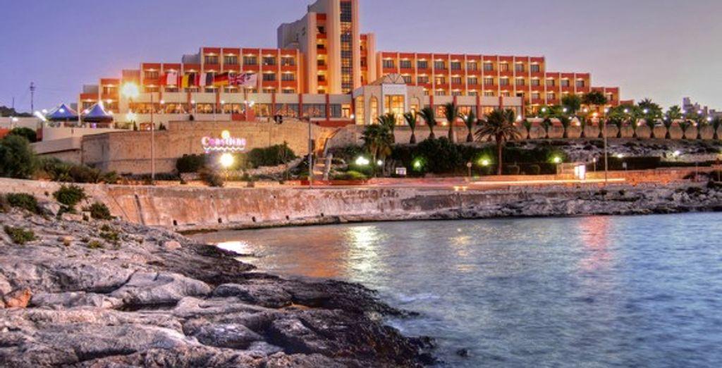 L'hôtel donnant sur la baie de Salina - Coastline Hotel **** Luqa