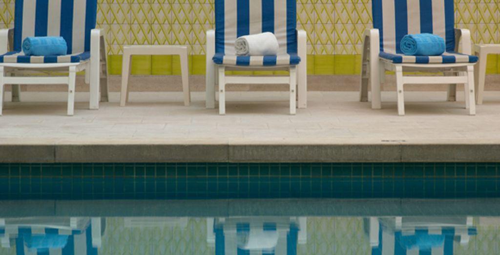 Relaxez-vous dans la piscine intérieure