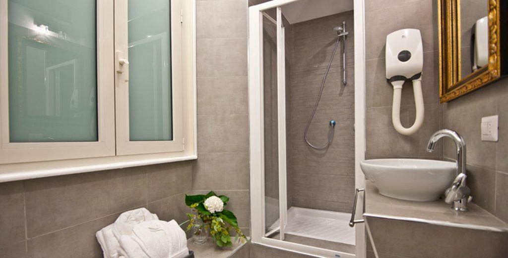 Dotée d'une salle de bains moderne
