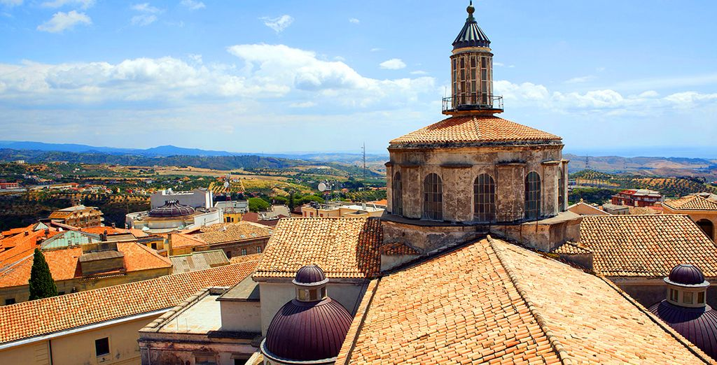 Découvrez Catanzaro, construite sur les collines à quelques kilomètres