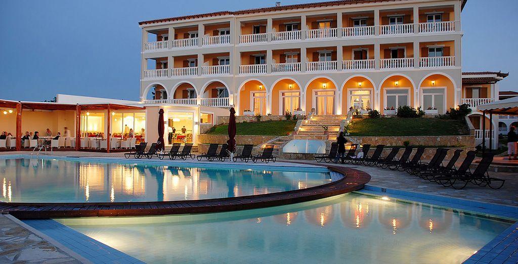 Vous poserez vos valises au Tsamis Resort & Spa 4*...