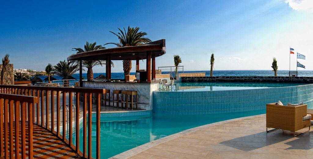 Entrez dans un véritable petit coin de Paradis - Hôtel Blue Sea 5* Stalida