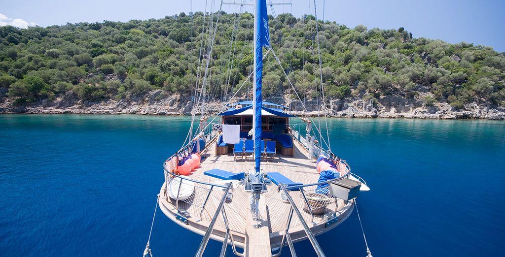 Le moyen idéal pour vous détendre au soleil et admirer le bleu incroyable de la mer en toute intimité