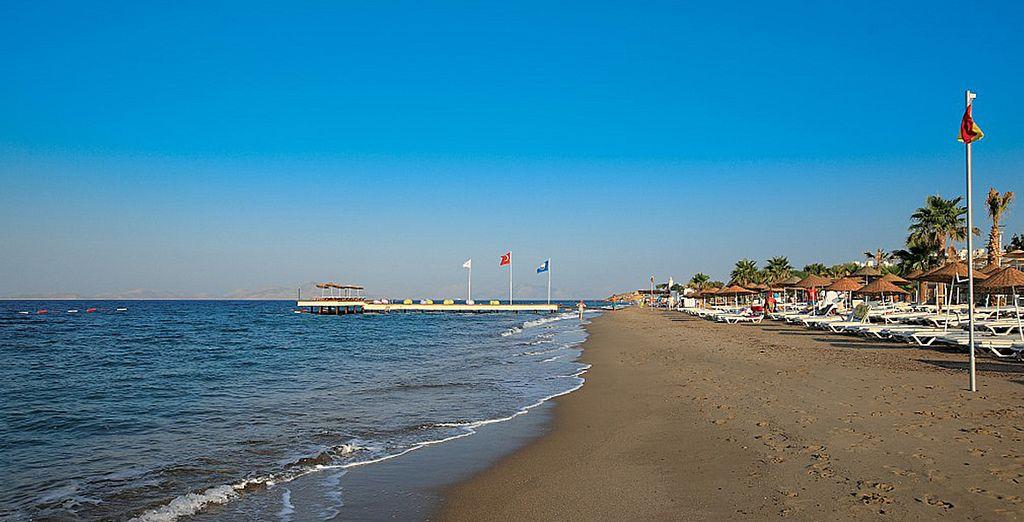 Et vous prélasser sur la plage de sable fin