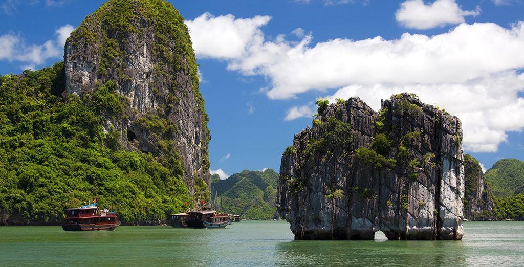 Et réveillez-vous en plein cœur de la Baie d'Halong !