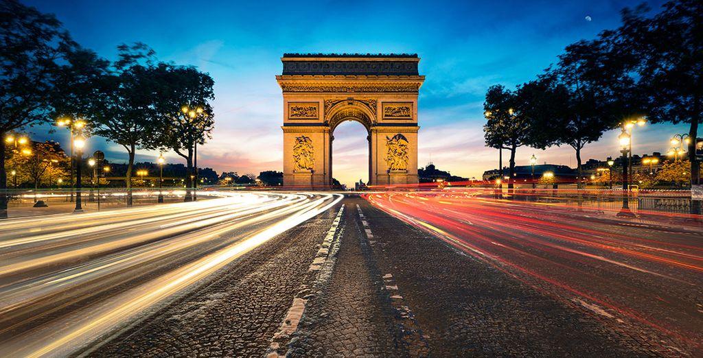 Prenez ensuite la direction des merveilles de la capitale, comme les Champs Elysées...
