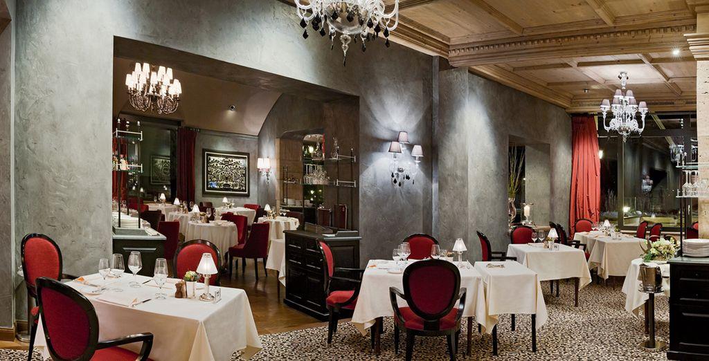 Prenez le temps de dîner au restaurant de l'hôtel...