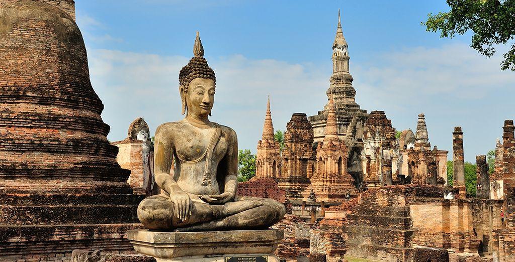 Jusqu'à Sukothai, première capitale du Siam... Les découvertes ne manqueront pas !