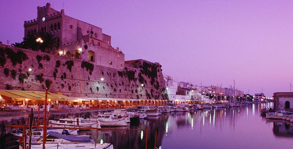 Proche des villes de Mahon et de Ciutadella