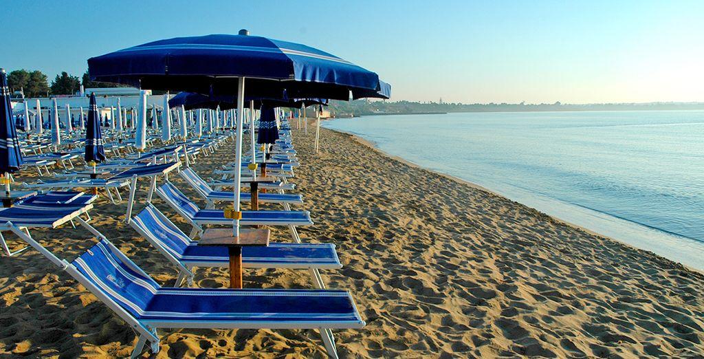 Vous vous délasserez sur la plage...