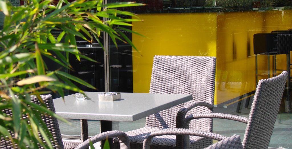 Prenez un verre en terrasse pour finir la journée en beauté