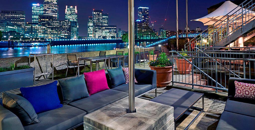 Profitez de cette terrasse pour une escapade Londonienne... - Doubletree by Hilton Docklands Riverside 4* Londres