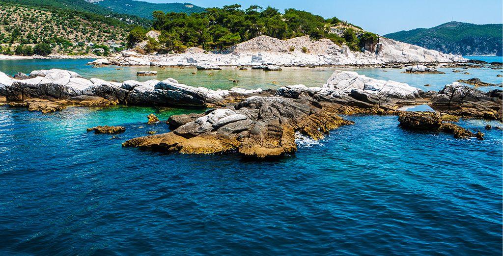 L'eau cristalline de l'île de Paros