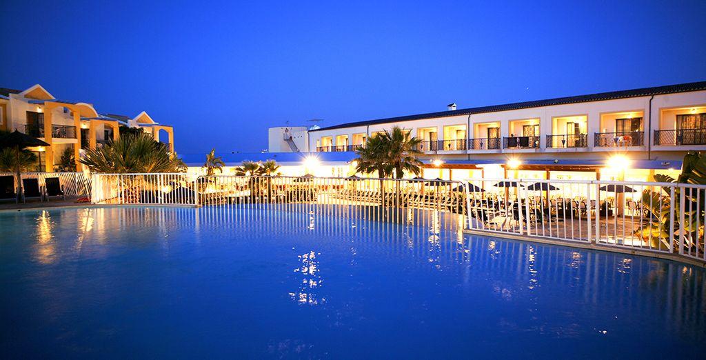 Profitez-en pour visiter la ravissante île de Minorque...