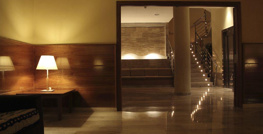 Un hôtel récent au décor moderne et élégant et au standing haut de gamme