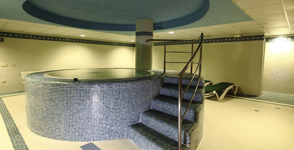 Ressourcez-vous dans un bain à remous ou au sauna