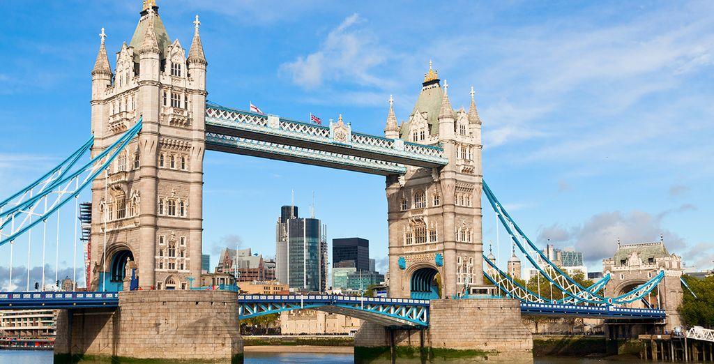 et de passer sur Tower Bridge