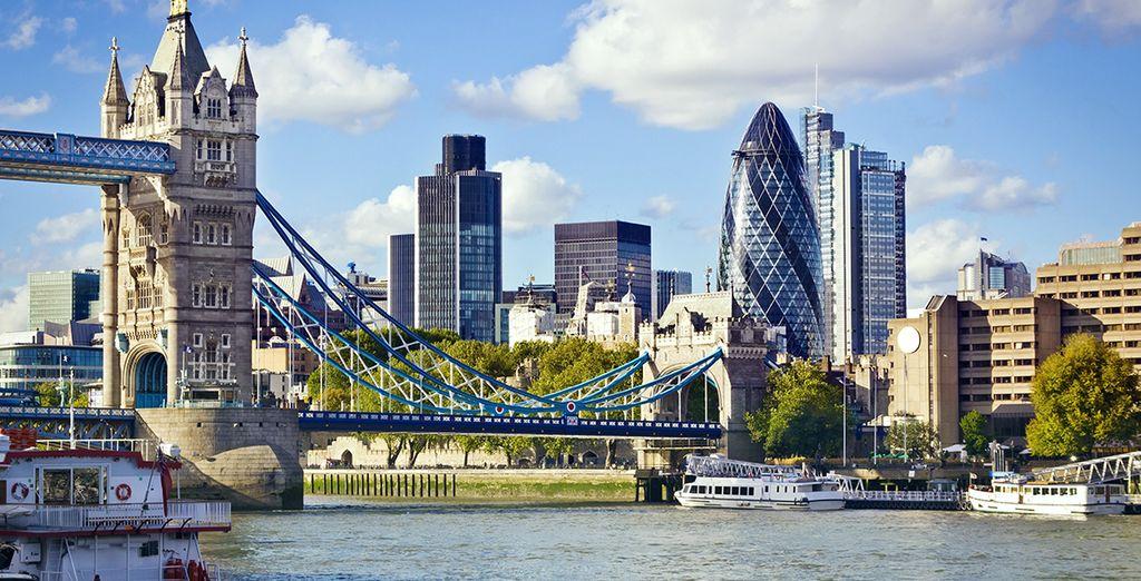 Vous traverserez l'incontournable Tower Bridge